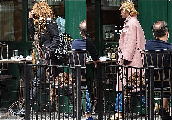 29 septembre : Les filles ainsi que  Olivier Sarkozy quittait le restaurant Sant Ambroeus à West Village à NY.