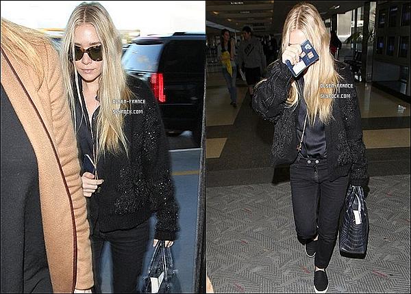13/12/2012 : Après un cour séjour à Los Angeles, Ashley à été photographiée par les pap'z à l'aéroport de LAX.