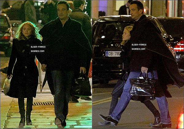 6 janvier : Mary-Kate et son boyfriend Olivier ont été aperçus main dans la main ce promenant dans Paris. Enfin des nouvelles, premières candids de Mary-Kate et Olivier Sarkozy de 2013 en France à Paris l'année commence vraiment bien !