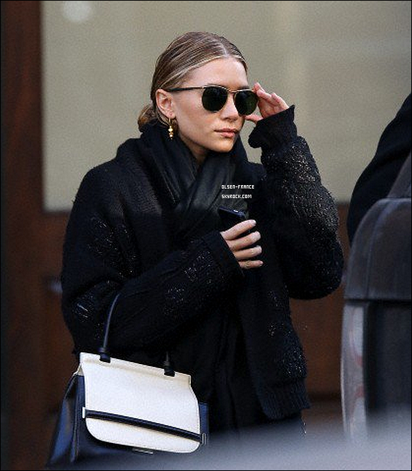 13 février : Les news tombent, Ashley Olsen à été photographiée quittant le Greenwich à Tribeca, 1 photo.