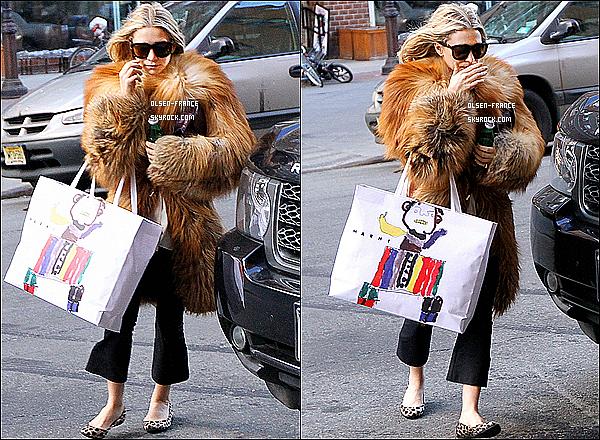 17 février : Ashley Olsen et sa fourrure, ont été photographiée lorsqu'elle rentrait à son hôtel à New-York.