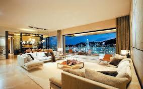 Villa de Mira et Max leur appartement première partie