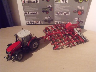 Massey-Ferguson 8690 + Semoir Horsch pronto tiger 6 AS