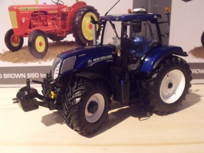 New Holland T7.210 Blue power