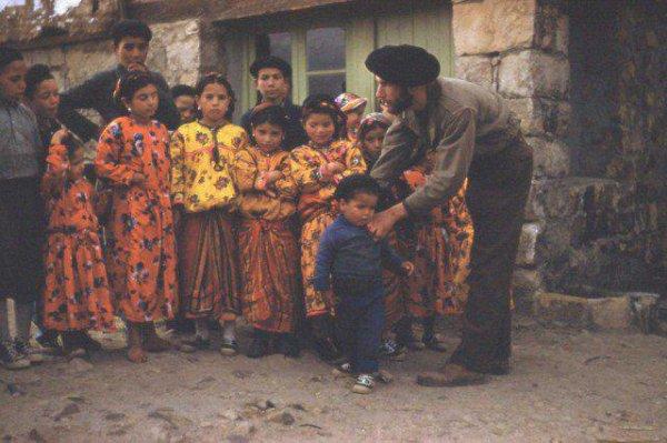 une photo des enfantes 1954