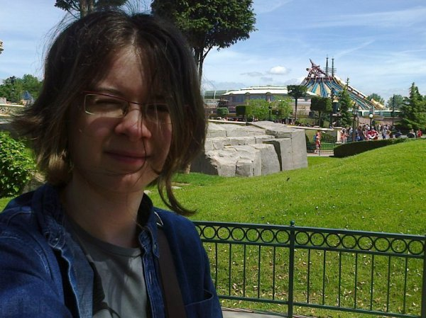 ~ Larry à Disneyland Park ~