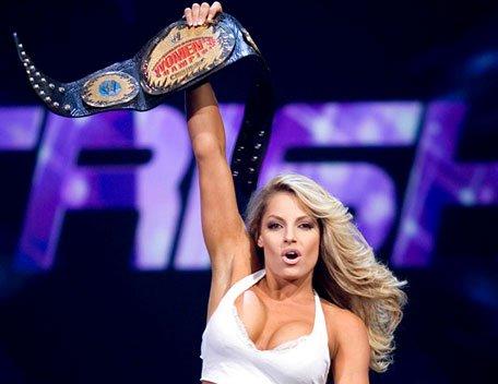 Trish Stratus: Les raisons qui l'ont poussé à quitter la WWE.