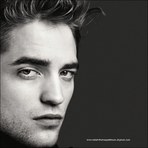 « Nouvelle photo du shoot de Rob pour Another Man [Article associée]  » .