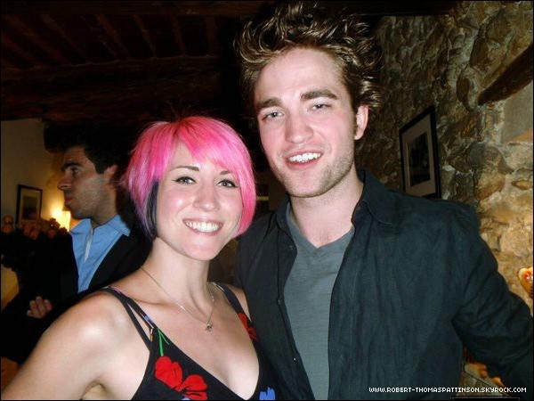 Nouvelle photo perso' de Rob. Eh Oui Rob nous souffrons de ton absence... :P