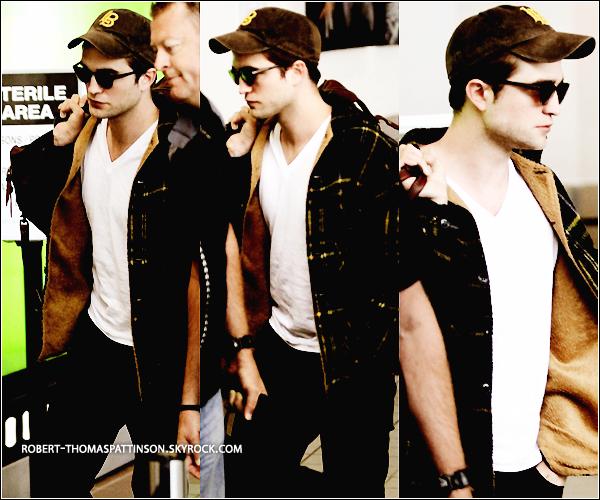04/06/11:            Robert arrivant à l'aéroport de LAX afin d'être présent ce soir au MTV .
