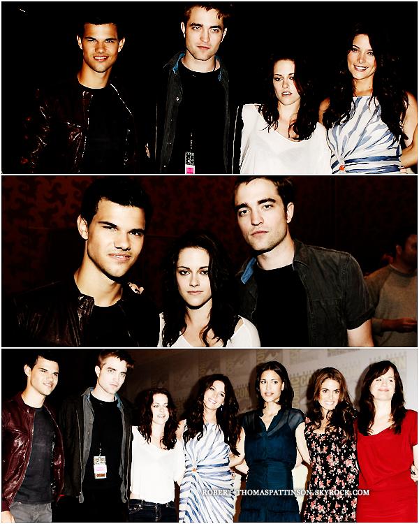 21/07/11:            Voici les photos de Robert, sa copine Kristen & l'intru Taylor Lautner lors du comic con.