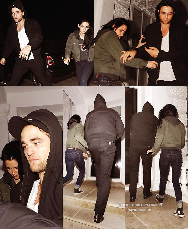 23/11/11:            Le couple Robsten quittant leur appartement pour aller au concert de Marcus Foster, ami de Rob, où ils étaient très proches selon des tweets (à Londres).