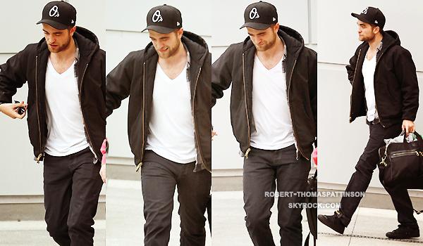 29/11/11:            Robert quittant son appart' à Londres pour finalement arriver à Los Angeles un peu plus tard.