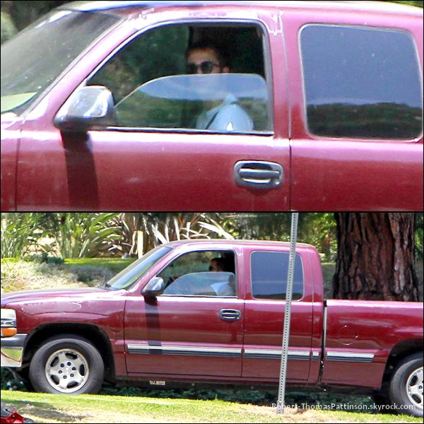 21/05/13:            Robert conduisait son pick-up dans LA.