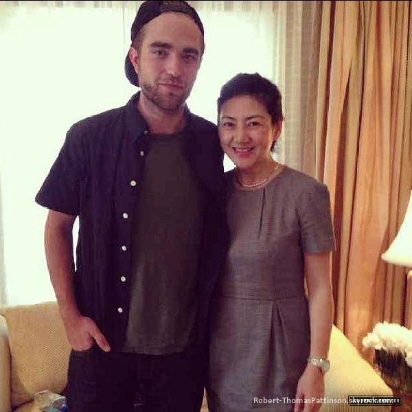 News:            Robert est la nouvel égérie de la marque Dior.     Une très bonne nouvelle, hein les filles ?
