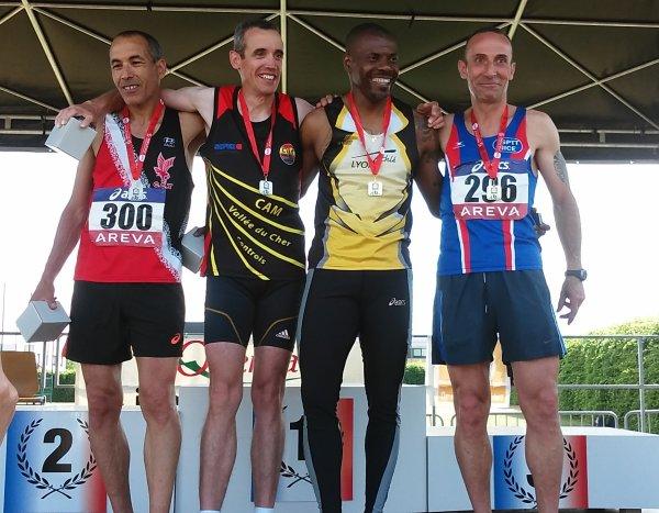 Championnats Nationaux Vétérans 2015 –  Yolande Marchal Championne (800 m, 1500 m) Laurent François médaillé de bronze sur 800 m