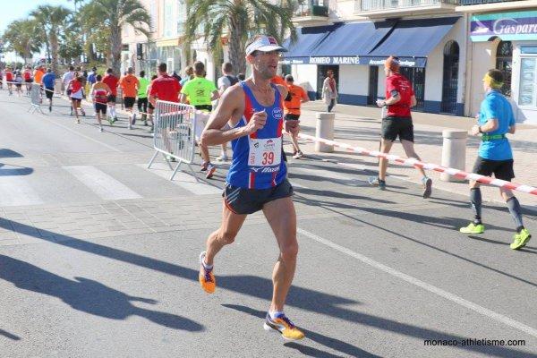 Semi et 10 km de Cannes - Olivier 15ème (1er V1) du semi, Jocelyne 2ème V3 du 10 km