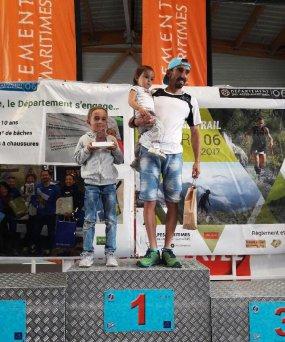 Valberg Trail 2017 - Amandine Ginouves 3ème et Isabelle Belia 5ème sur 47 km........... Top 10 pour Charly Dalfin (25 km) et Romain Maurel (12 km),  Marie Viez 4ème sur 12 km