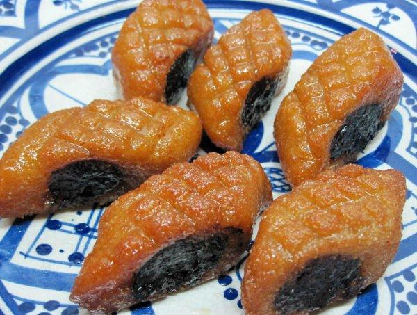 Recette Makrout marocaine avec des dates et du miel