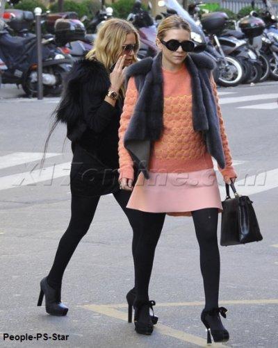 Les soeurs Olsen ont un look toujours aussi décalé ! Que pensez-vous de leurs styles ? Cela dit j'aime assez bien leurs talons   ;)