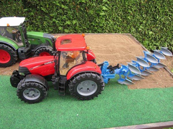 Labours ainsi que hersage pour les semis de maïs !!