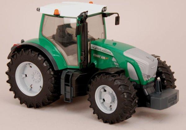 Vous connaissez le Fendt 936 green edition Bruder ?
