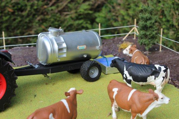 On apporte à boire au bétail aujourd'hui !