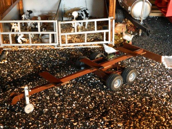 Encore une nouveauté à la ferme :D Un chariot de coupe !