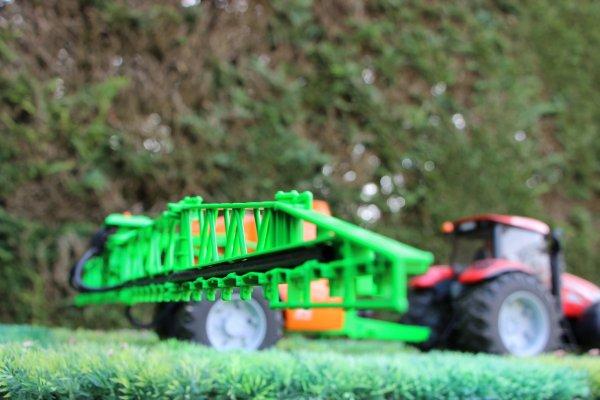Insecticide aujourd'hui sur une parcelle de blé