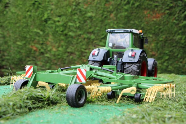 Andainage en Fendt 936
