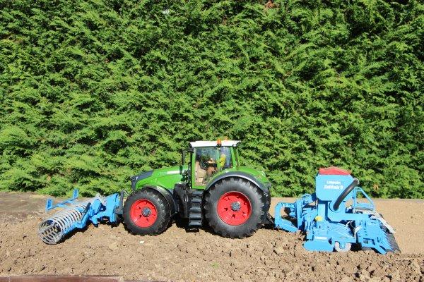 Semis de blé dans le sec cette année avec le 1050 et l'ensemble Lemken