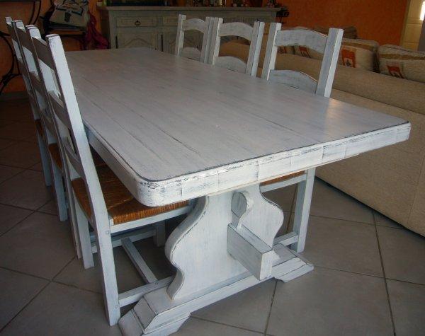 Table salle manger greg et audrey d co int rieure for Table de salle a manger grange