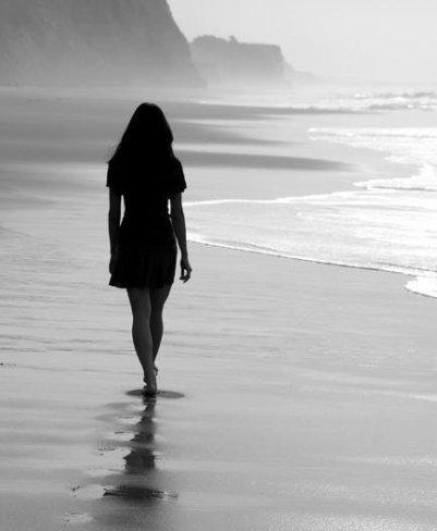 Le temps passe. Les choses changent. Les gens nous font sourire et nous déçoivent. Parfois on continue sans y prêter attention, mais au fond on oublie rien, on sourit en disant que tout va bien.