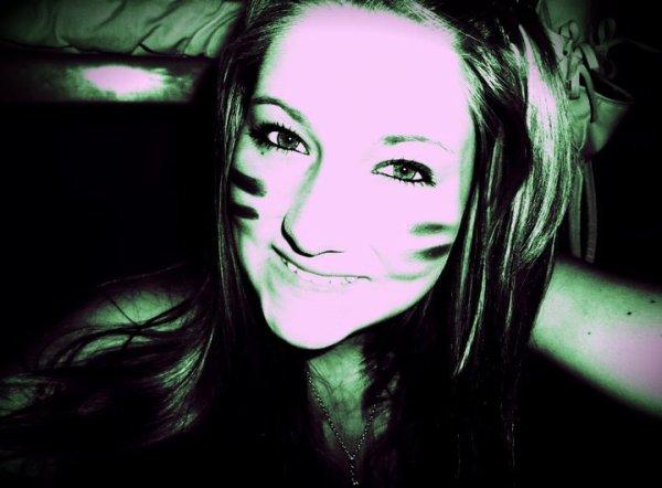 Je n'essaye pas de ressembler à quelqu'un, j'essaye juste d'être moi même.