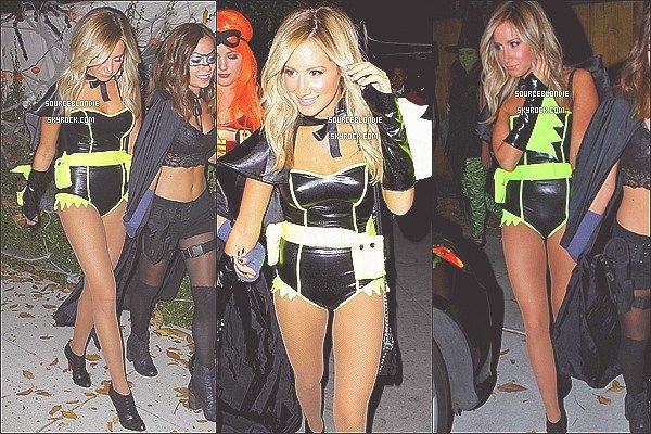 -31/10/12 :  Ashley a ete apercu allant a une fete d'Halloween avec ses amies dans Studio City. -