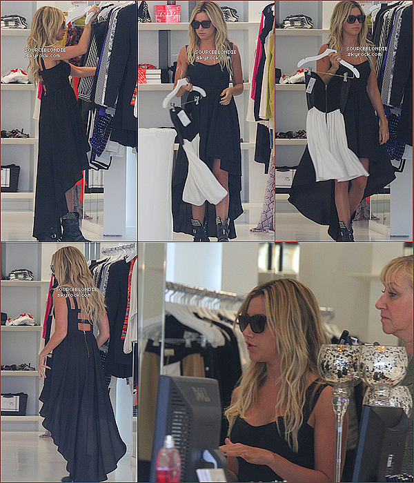 "-13/03/13 →  Ashley a fait du shopping a "" DASH "" en compagnie de sa mere a Melrose Avenue. -"