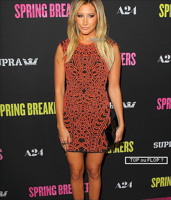-14/03/13 →  Ashley ete presente a l'avant-premiere de Spring Breakers a Los Angeles. Top ! -