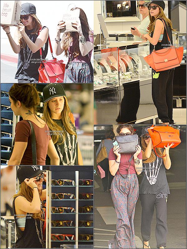 -03/04/13 →  Ash' était aller faire du shopping avec sa  BFF a Bloomingdale's dans Sherman Oaks. -