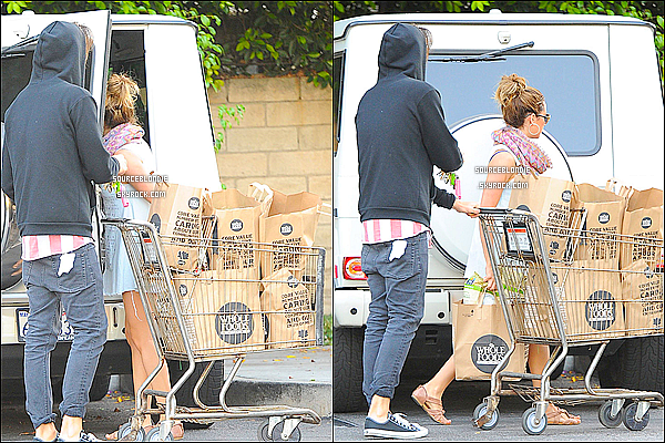 - 21/05/13 → Le couple est alles faire ensemble les courses au magasin Whole Foods a Sherman Oaks. -
