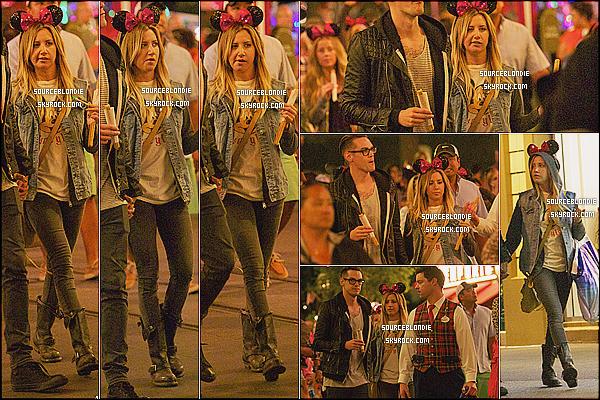 - 10/06/13 → Ashley & son boy' ont été repéré a DisneyLand a Anaheim. Pour l'anniver' de Nikki Lee. -