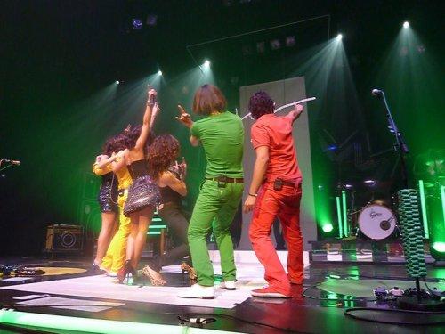 """Nouvelle date de concert & deux nouvelles photos du """"Full Band"""" !"""
