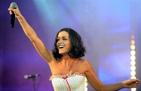 Jenifer au Hit West Live à Rennes le 29 Juin 2011