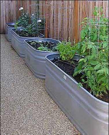 faire un potager en carr de jardin ou suspendu avec 3. Black Bedroom Furniture Sets. Home Design Ideas