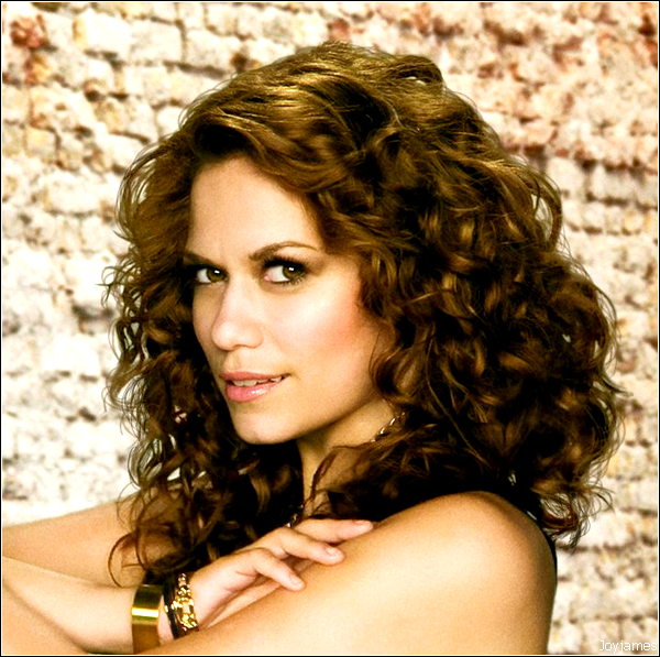 Biographie Bethany Joy Galeotti