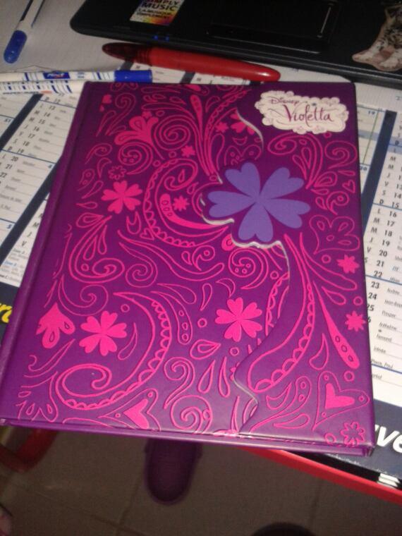 mon journal intime de violetta blog de alice1201 blog. Black Bedroom Furniture Sets. Home Design Ideas
