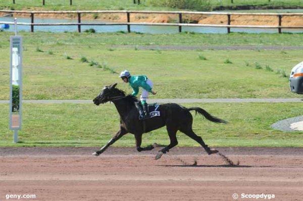 SAINT GALMIER et LA CAPELLE  le 07/04/2011
