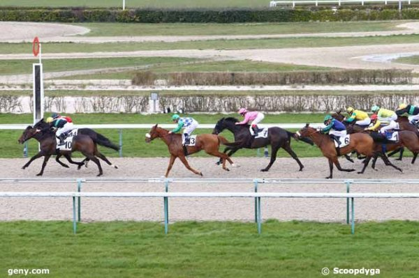 CHANTILLY, CAEN et LAVAL le 10/03/2016