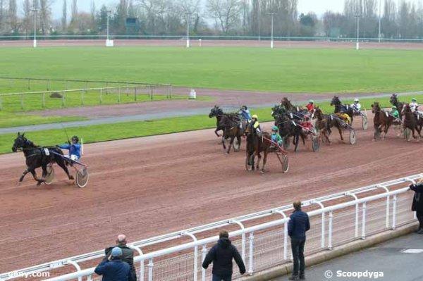Bien ! 314 Victoria de Marzy gagne le Quinté+ du jour a 34/1 et 311 Une de Villetot 3éme a 12/1 !