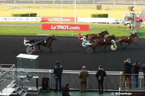 Yesssss ! 611 Duchesse Danica ( Laurent-Michel David !)  gagne a 60/1 ! ça sert d'aller sur les hippodromes ! (notamment Alençon !)