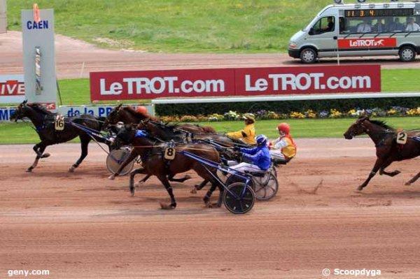 111 Blue Girl du Fer gagne a 73/1 a Vichy ! journée faite comme certains disent sur Zeturf ! lol !